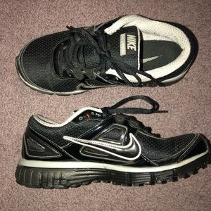 Nike Dual Fusion Black Sneakers - Size 7.5